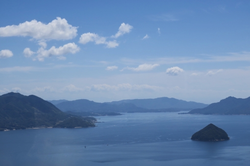【ミシュラン・グリーンガイド】で星3つに選ばれた宮島・弥山の展望台