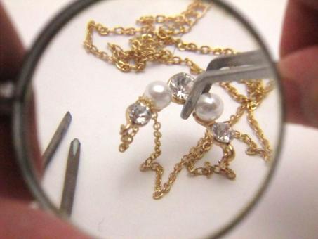 ネックレスが絡まった時には家にある【あるもの】ですぐほどけます♪