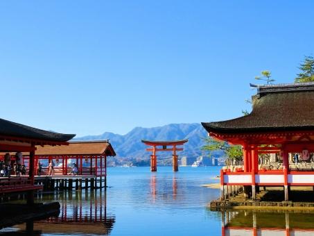 宮島・厳島神社の大鳥居修理2019年6月17日から2020年6月30日(予定)まで1年間宮島の鳥居を見ることができません