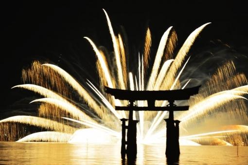 2019年宮島水中花火大会は8月24日