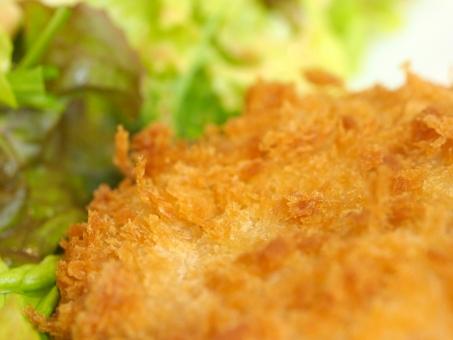 香川県といえばカレー風味の魚ロッケ