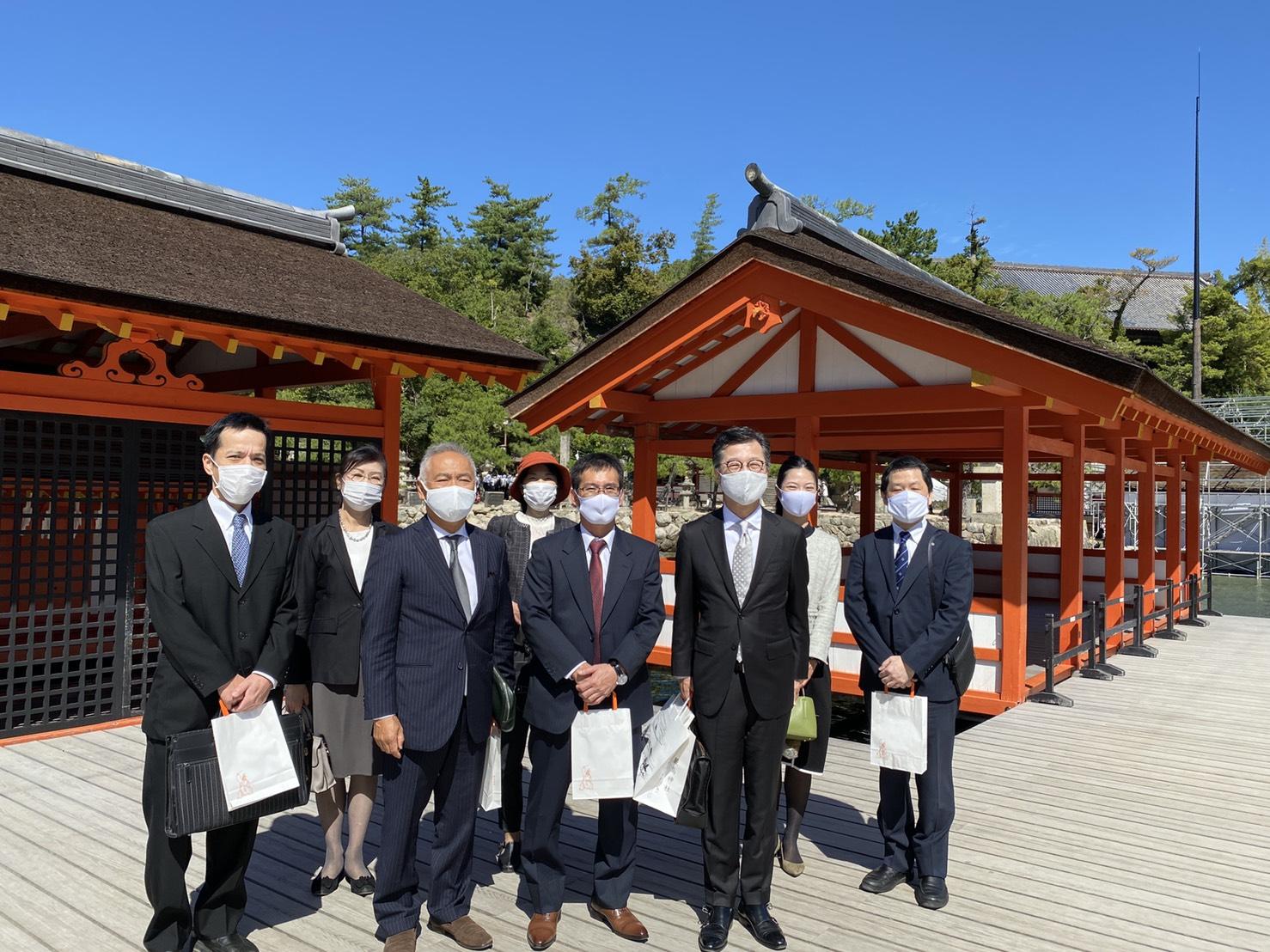 宮島・厳島神社で 広島蒲鉾の献上祭